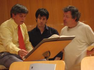 """con Arturo Tamayo y José Ramón Encinar ensayando """"Gruppen"""" con la Orquesta Nacional de España"""